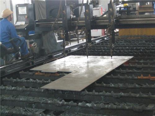 कारखाना दृश्य।